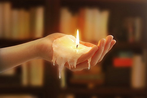 candle-fire-hand-melting-photography-favim-com-94720